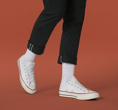 A Converse icon from the remastered for today with superior craftsmanship and premium materials. White Converse Outfits, Converse Wedding Shoes, Wedding Sneakers, Converse Style, Converse Men, Converse Chuck, Black Outfit Men, Black And White Shoes, Casual Sneakers