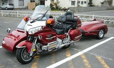 https://www.facebook.com/pages/Goldwing-World/485468911520220