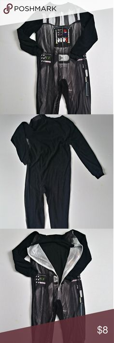 Boys Star Wars Onsie Pajamas Preowned Star Wars Onsie. As is. Size(ages)6-8 Star Wars Pajamas Pajama Sets