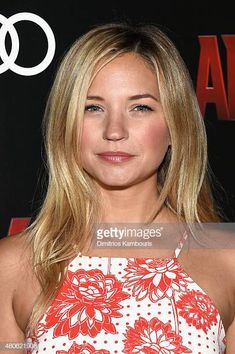 Beautiful Celebrities, Beautiful Actresses, Beautiful Ladies, Gorgeous Men, Vanessa Ray Blue Bloods, Blue Bloods Tv Show, Nurse Jackie, New Years Outfit, Actresses