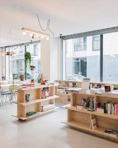 La Régulière, bookstore in North Paris: 43 rue Myrha 75018 furniture design by Johanna Lapray & Hugo L'Ahellec photo by Maxime Verret