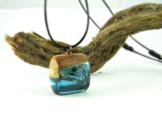 Pendant blue Necklace blue resin wood wood resin by FociFusta