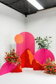 Backdrops For Parties, Flower Wall, Event Decor, Bright Pink, Event Design, Event Planning, Diy Wedding, Party Themes, Balloons
