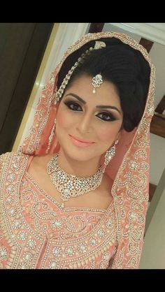 Ideas Pakistani Bridal Makeup Brides Make Up Jewelry Pakistani Bridal Makeup, Asian Bridal Makeup, Pakistani Wedding Dresses, Bridal Hair And Makeup, Indian Dresses, Bridal Dresses, Desi Bride, Desi Wedding, Wedding Bride