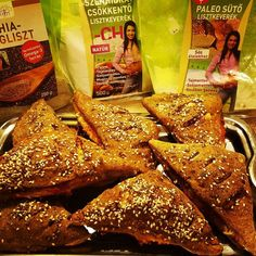 Paleo, Chia, Chicken Wings, Toast, Breakfast, Food, Pizza, Wizards, Morning Coffee
