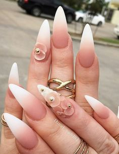 Ombre nails are trendy these days, the design looks very cool and glamorous, so there is a great many of women are eager to have… Imbre Nails, Manicure, Rose Nails, Glam Nails, Classy Nails, Stiletto Nails, Beauty Nails, Hair And Nails, Pointed Nails