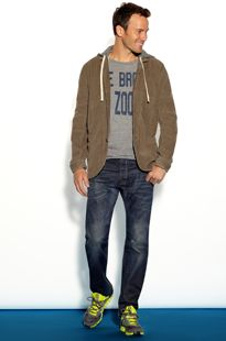 this outfit is casual perfection.   Men: 5 things guys need now | Piperlime