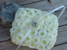 floral wedding ring pillows  with mums...too cute!