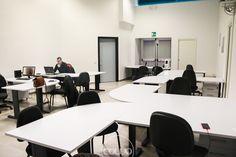 Spazio di coworking a Reggio Emilia presso la sede della CNA, Confederazione Nazionale Artigianato. Affiliato alla Rete Cowo® http://www.coworkingproject.com/coworking-network/reggioemilia-cna/
