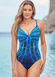 Best Swimwear for Rectangle Bodies