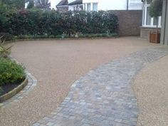 Gravel drive and stone path Pebble Driveway, Resin Driveway, Stone Driveway, Gravel Driveway, Gravel Path, Driveway Landscaping, Driveway Gate, Front Garden Ideas Driveway, Front Path