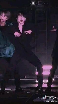 Jungkook Abs, Bts Taehyung, Bts Jungkook, Jimi Bts, Foto Rap Monster Bts, Park Jimin Cute, Bts Face, Foto Jimin, Bts Dancing