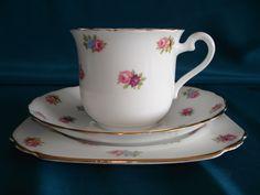 Trio Art Decó Plant Tuscan England Circa 1936/47       Inf- 15-30144082 mailto:retroteaan... Face; Retrotea andcoffee