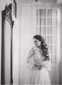 Vintage inspired wedding   Romantic bridal style   Fine art destination wedding photographer Madalina Sheldon