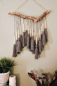 Easy driftwood Macrame hanging Driftwood foundation was found washed up on the coast of Florida near Fort Lauderdale beach. Yarn was individually measured, cut, and tied to create one single tassel. Small wooden beads were then Home Crafts, Diy Home Decor, Arts And Crafts, Diy Yarn Decor, Decor Room, Diy Crafts With Yarn, Bedroom Decor, Headboard Decor, Ikea Bedroom