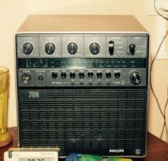 Philips 780 (part) Radios, Bulb, Mini, Vintage, Design, Onions, Vintage Comics, Light Bulb