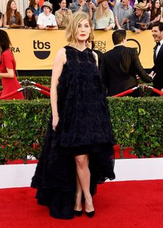 Rosamund Pike in Dior Couture Where: The 2015 SAG Awards (Photo: Frazer Harrison/Getty Images) See what the other stars wore at the SAG awards... www.flare.com/fashion/the-2015-sag-awards-what-the-stars-wore/