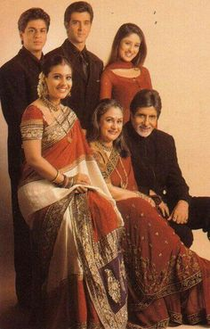 Kabhie Khushi Kabhi Gham ♥ The iconic Family of Bollywood. Best Bollywood Movies, Bollywood Photos, Indian Bollywood, Bollywood Stars, Bollywood Fashion, Shahrukh Khan And Kajol, Shah Rukh Khan Movies, Indian Celebrities, Bollywood Celebrities