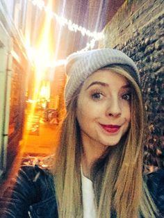 ~Zoe looks so cute in beanies~