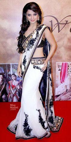 Adaa Khan Hot & Sexy In Bikini Wallpapers Photos Sari Design, Sari Blouse Designs, Indian Beauty Saree, Indian Sarees, Indian Dresses, Indian Outfits, Look Fashion, Indian Fashion, Indian Tv Actress