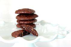 Arabafelice in cucina!: Biscotti al doppio cioccolato, senza farina, burro, latte, lievito nè tuorli!