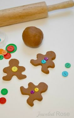 Gingerbread clay recipe- great for making ornaments and for play time, too! I want to make Minecraft ornaments with my boys! Gingerbread Ornaments, Diy Christmas Ornaments, Christmas Decorations To Make, Ornament Crafts, Xmas Crafts, Christmas Activities For Kids, Preschool Christmas, Kids Christmas, How To Make Gingerbread