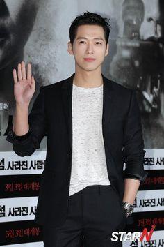 Namgoong Min (남궁민) - Picture @ HanCinema :: The Korean Movie and Drama Database Drama Korea, Korean Drama, Asian Actors, Korean Actors, Namgoong Min, Actor Model, Shinee, Disney, Actors & Actresses