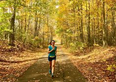 Here are 14 amazing reasons to love running! Whether you're just starting or looking for some motivation, check out some of the best reasons to run. Running A Mile, Girl Running, Trail Running, Running Challenge, Hebrews 12, Hard Workout, Mental Strength, Get Outdoors, Lose 20 Pounds