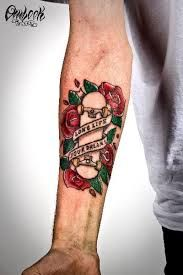 TattooSet - All-in-One Place for Tattoo Designs Dad Tattoos, Sleeve Tattoos, Tattoos For Guys, Skater Tattoos, Skateboard Tattoo, Punk Tattoo, Tatuagem Old School, Memorial Tattoos, Pretty Tattoos