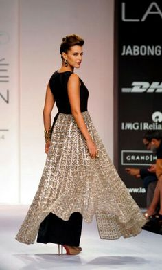 Lakme Fashion Week 2014 Neha Dhupia walking for Payal Singhal India Fashion Week, Lakme Fashion Week, Runway Fashion, Fashion Outfits, Pakistan Fashion, Women's Fashion, Indian Wedding Outfits, Pakistani Outfits, Indian Outfits