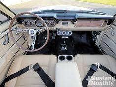 mump_0911_05_+restored_1966_mustang_convertible+interior.jpg 1,600×1,200 pixels