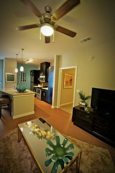 Luxury SMU Student Apartment Photos   BLVD Living Apartments Dallas TX
