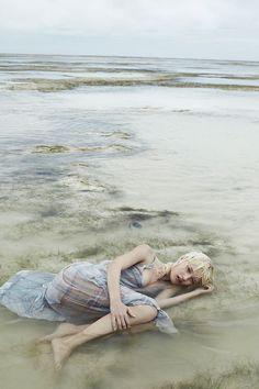 awesome Alicja Tubilewicz stars in a dreamy Elle Poland shoot by Agata Pospieszynska  [Editorial]