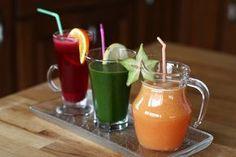 3 sucuri naturale miraculoase cu efect de detoxifiere și întărire a imunității | Retete ca la mama Healthy Drinks, Healthy Snacks, Healthy Recipes, Nutribullet, Fitness Nutrition, Natural Remedies, Health And Wellness, Healthy Lifestyle, Food And Drink