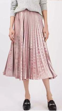 Pleated Elastic Waist Midi Skirt