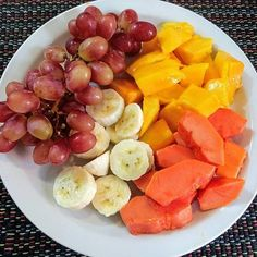 Healthy food is the way for a healthy lifestyle check the healthy recipes and start making it it's very easy to make and so yummy Healthy Snacks, Healthy Eating, Diet Recipes, Healthy Recipes, Pub Food, Food Inspiration, Love Food, Clean Eating, Food And Drink