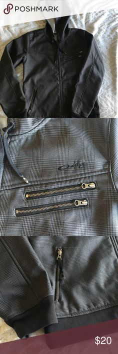 5bff247505d Shop Women s Oakley Black Gray size L Utility Jackets at a discounted price  at Poshmark. Description  Like new