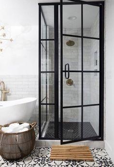 66 Adorable Farmhouse Bathroom Decor Ideas And Remodel (27)