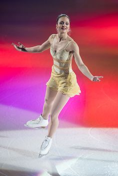 Photo Highlights of Art On Ice 2017 Ice Show, Sports Figures, Figure Skating, Ballet Skirt, Zurich, Lady, Photos, Fashion, Moda