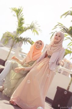 In Fashion, latest amazing and stunning hijab styles are available in market. A Hijab wear woman gives self confidence and independently awareness. Hijab is a Islamic Fashion, Muslim Fashion, Hijab Fashion, Modest Fashion, Fashion Muslimah, India Fashion, Fasion, Muslim Girls, Muslim Women