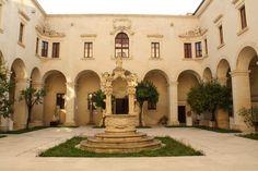 Chiostro del vecchio seminario, Lecce, Italy