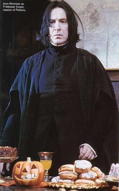 Professor Severus Snape, Harry Potter Hermione Granger, Harry Potter Images, Ginny Weasley, Albus Dumbledore, Harry Potter Characters, Harry Potter World, Cute Characters, Slytherin