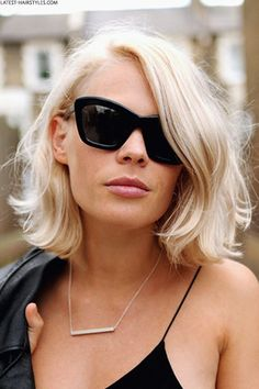 Bob Frisur Ideen von Street Style 2017 - Neue Besten Frisur Bob haircuts are considered one of the most popular styles in both the short and medium term hair trends. There are cool ideas to play with Summer Hairstyles, Pretty Hairstyles, Hairstyle Ideas, Blonde Hairstyles, Romantic Hairstyles, Hair Ideas, Amazing Hairstyles, 2017 Hairstyle, Messy Bob Hairstyles