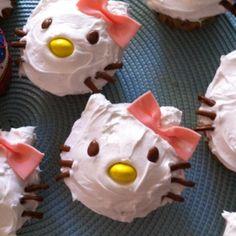 Hello Kitty Cupcakes - Pink Chocolate Break - Living The Creative Dream Cute Snacks, Cute Food, Mini Cakes, Cupcake Cakes, Cup Cakes, Yummy Treats, Sweet Treats, Hello Kitty Cupcakes, Hello Kitty Themes
