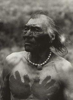 His Medicine Is Wolf - Crow - circa 1900, but no location