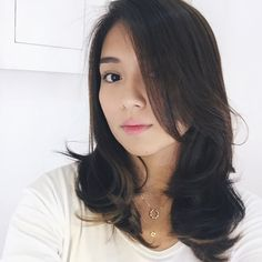 Hair treatment & root touch up by by bernardokath V Hair, Filipina Actress, Root Touch Up, Kathryn Bernardo, Ford, Hair Beauty, Hairstyle, Celebs, Long Hair Styles
