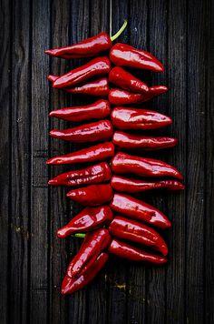 Piment d'Espelette / Espelette pepper drying © Dutourdumonde Photography