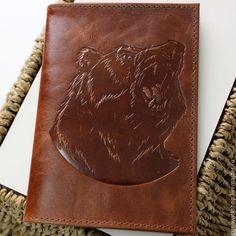 Купить Кожаная обложка на паспорт Медведь - коричневый, обложка, обложка на паспорт, обложка для паспорта