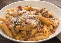 Fork next to bowl of creamy chicken bacon penne pasta Bacon Pasta Recipes, Chicken Bacon Pasta, Creamy Chicken, Chicken Recipes, Tiphero Recipes, Pasta Penne, Pasta Food, Bacon Salad, How To Cook Pasta