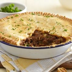 Find out how to make meat and potato pie with this easy recipe - made with Jus-Rol& shortcrust pastry, minced beef, garlic and onion. Pie Pastry Recipe, Easy Pastry Recipes, Pie Recipes, Cooking Recipes, Recipies, Savoury Recipes, Meatloaf Recipes, Simple Recipes, Yummy Recipes